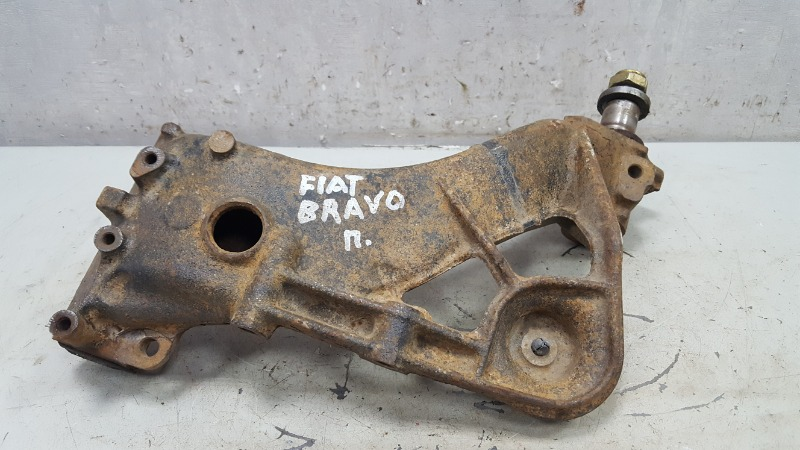 Поворотный кулак Fiat Bravo 188A5.000 1998 задний правый