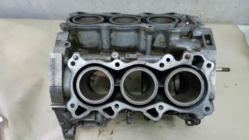 Блок двигателя двс Nissan Maxima A32 VQ20DE 1997