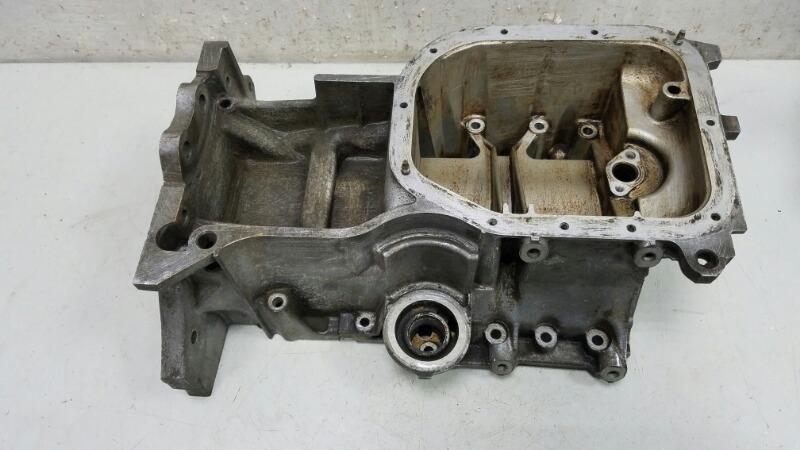 Поддон масляный картер Toyota Prius XW10 1NZ-FXE 1998г