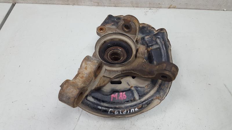 Поворотный кулак Toyota Caldina T210 3S-FE 2001 передний