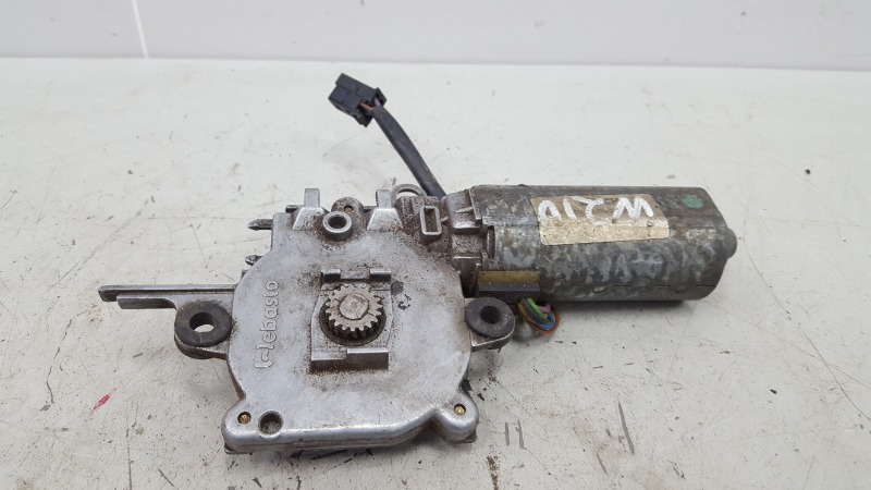 Моторчик люка Mercedes E230 W210 M111.970 1995