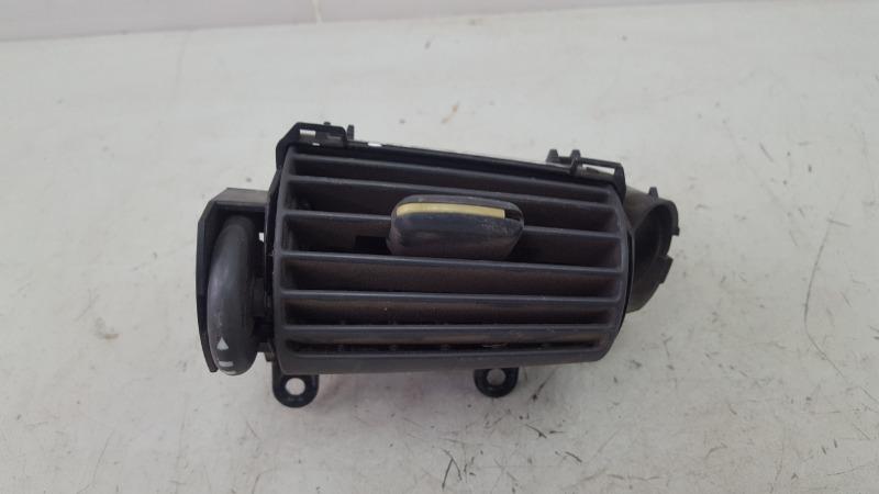 Дефлектор воздушный Mercedes C230 Kompressor W203 M271.948 2003 правый