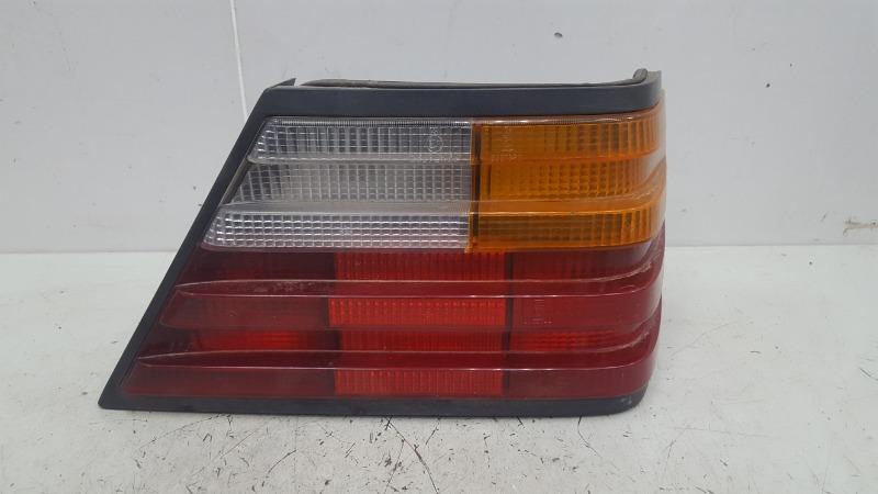 Фонарь Mercedes E200 W124 M102.922 1988 задний правый