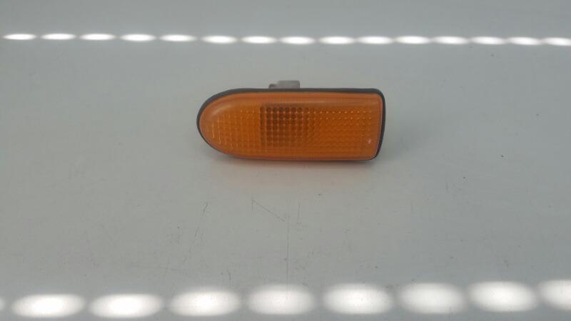Повторитель в крыло Nissan Primera P10 GA16DS 1992г