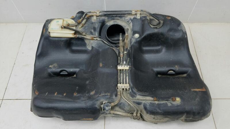 Топливный бак Nissan Primera P10 GA16DS 1992г