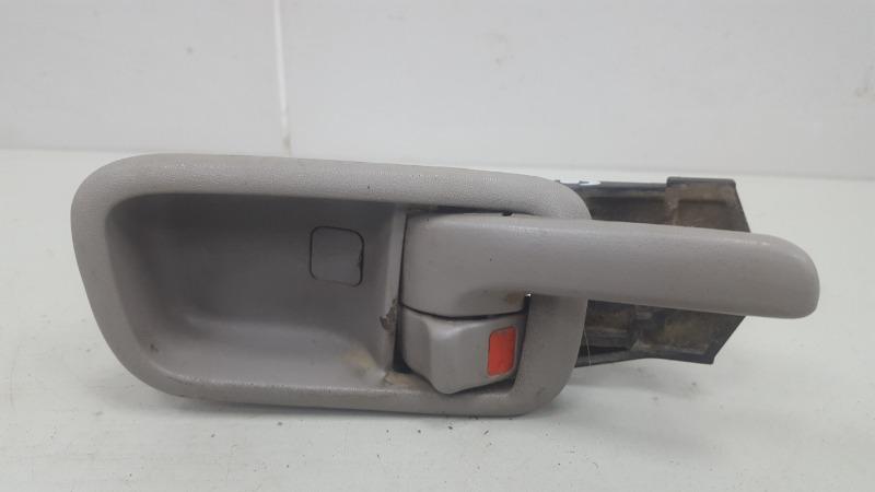 Ручка двери внутренняя Toyota Corolla Spacio AE115 7A-FE 1.8Л 1999 задняя правая