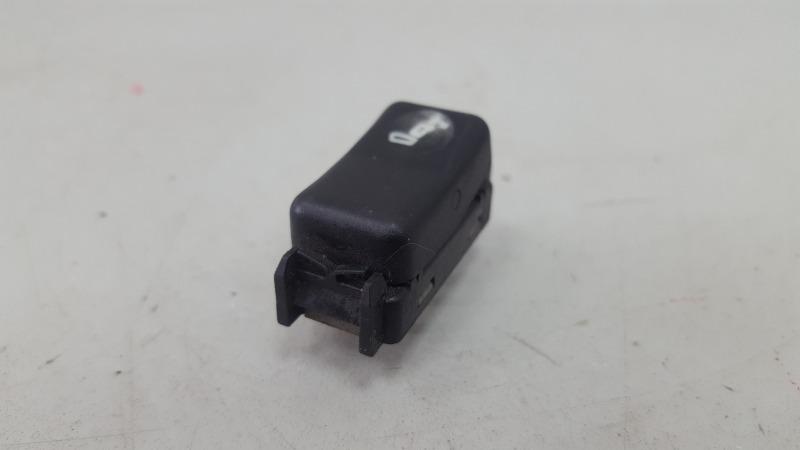 Кнопка подголовника Mercedes S320 W140 M104.994 1995