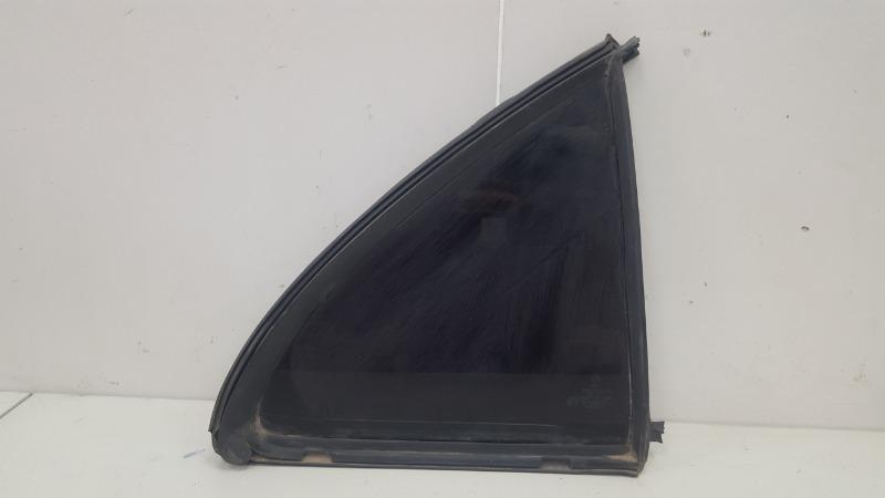 Стекло кузовное глухое Mercedes C320 W203 M112.946 2000г заднее правое