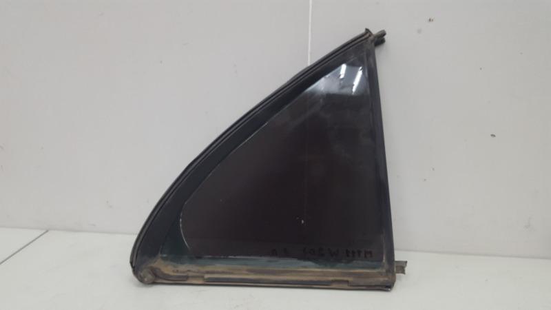 Стекло кузовное глухое Mercedes C200 Kompressor W203 M111.955 2000 заднее правое