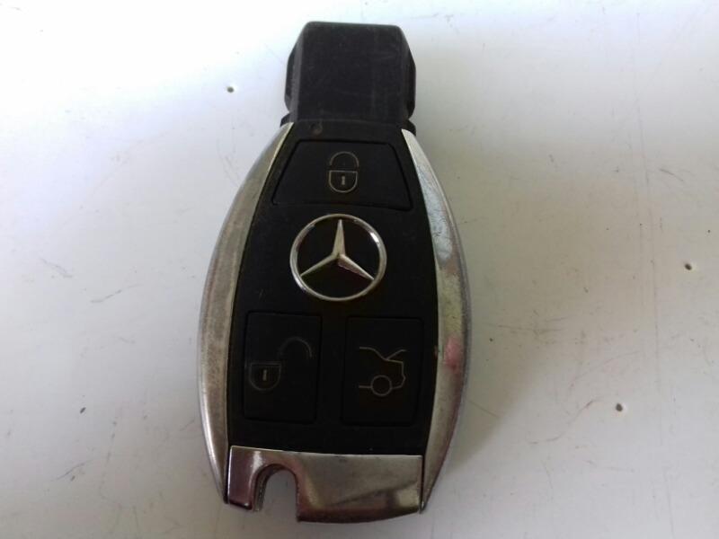 Ключ зажигания брелок Mercedes C320 W203 M112.946 2000г