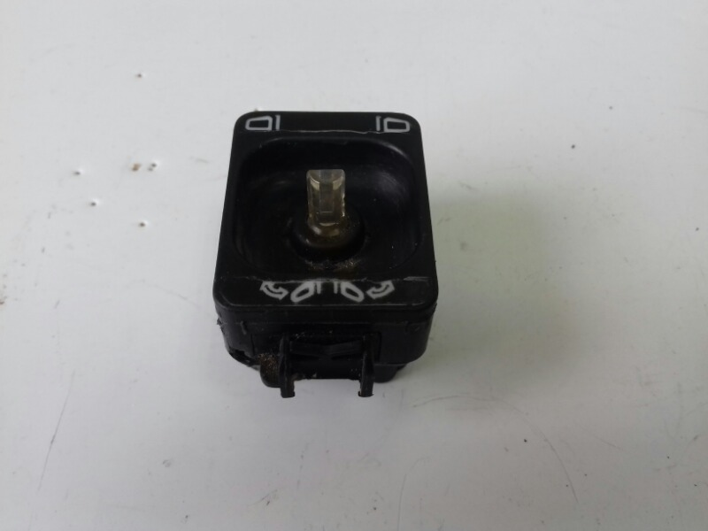 Кнопка регулировки зеркал заднего вида Mercedes S320 W140 M104.994 1995