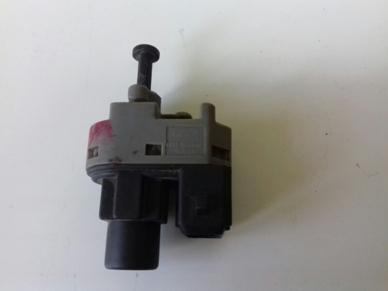 Выключатель стоп сигнала лягушка заднего тормоза Ford Focus 1 DNW EDDC 2000