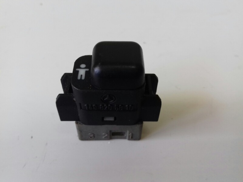 Кнопка центрального замка Mercedes S320 W140 M104.994 1994