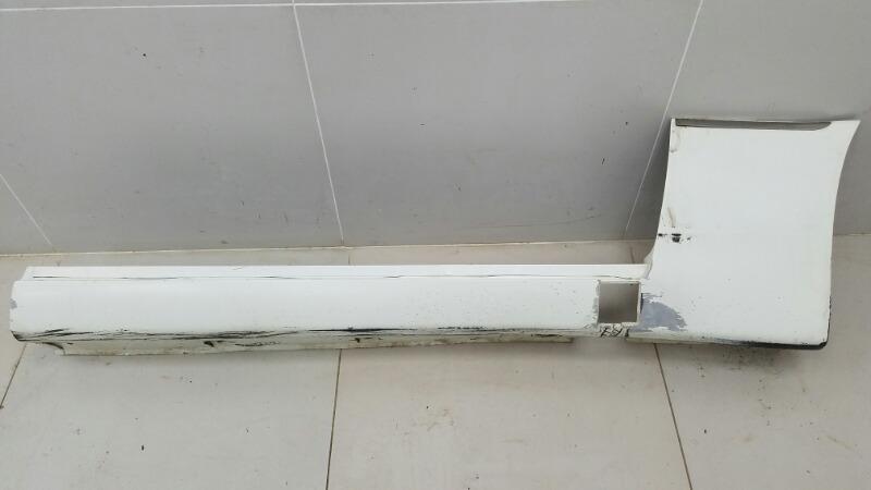 Накладка на порог Ssangyong Chairman HT M104.992 1997 передняя правая