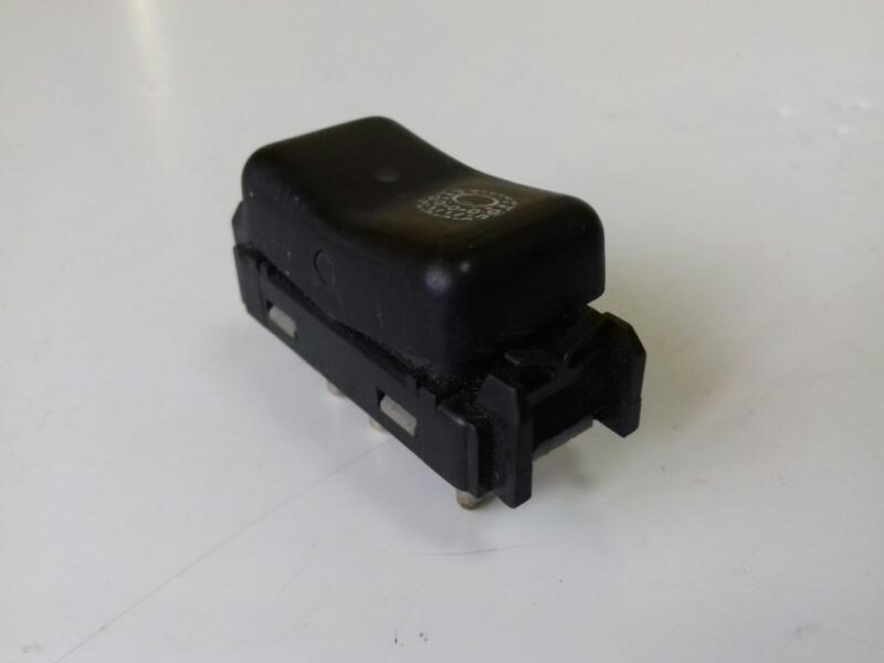 Кнопка asc Mercedes S320 W140 M104.994 1995