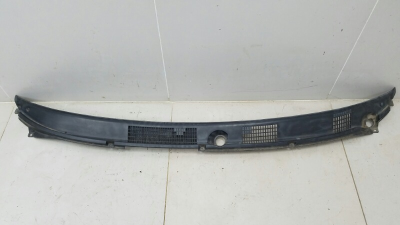 Жабо под дворники Mitsubishi Carisma DAA 4G92 2000