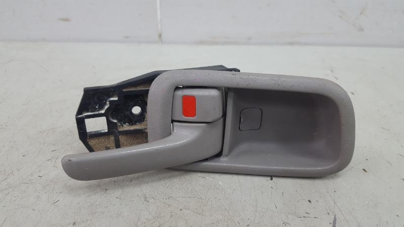 Ручка двери внутренняя Toyota Corolla Spacio AE115 7A-FE 1.8Л 1999 передняя правая