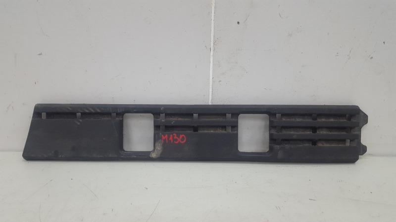Кронштейн крепление бампера Volkswagen Passat B3 ABS 1993г