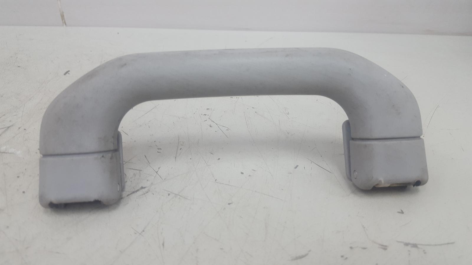 Ручка потолка Mercedes C200 Kompressor W203 M111.955 2000 передняя правая