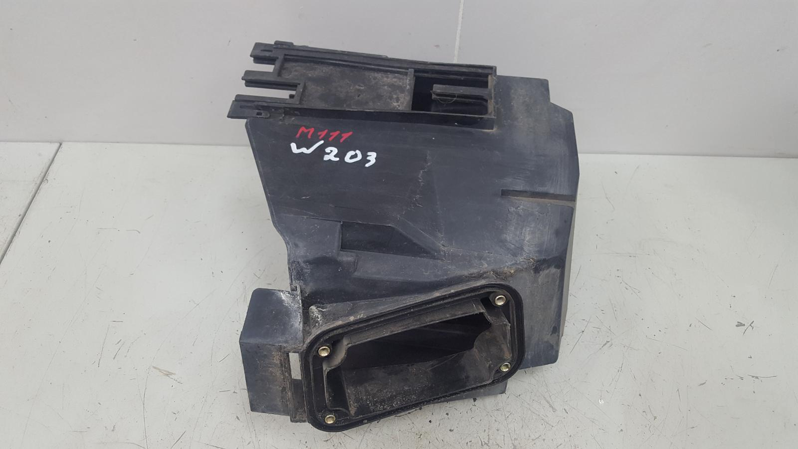 Корпус блока предохранителей Mercedes C200 Kompressor W203 M111.955 2000