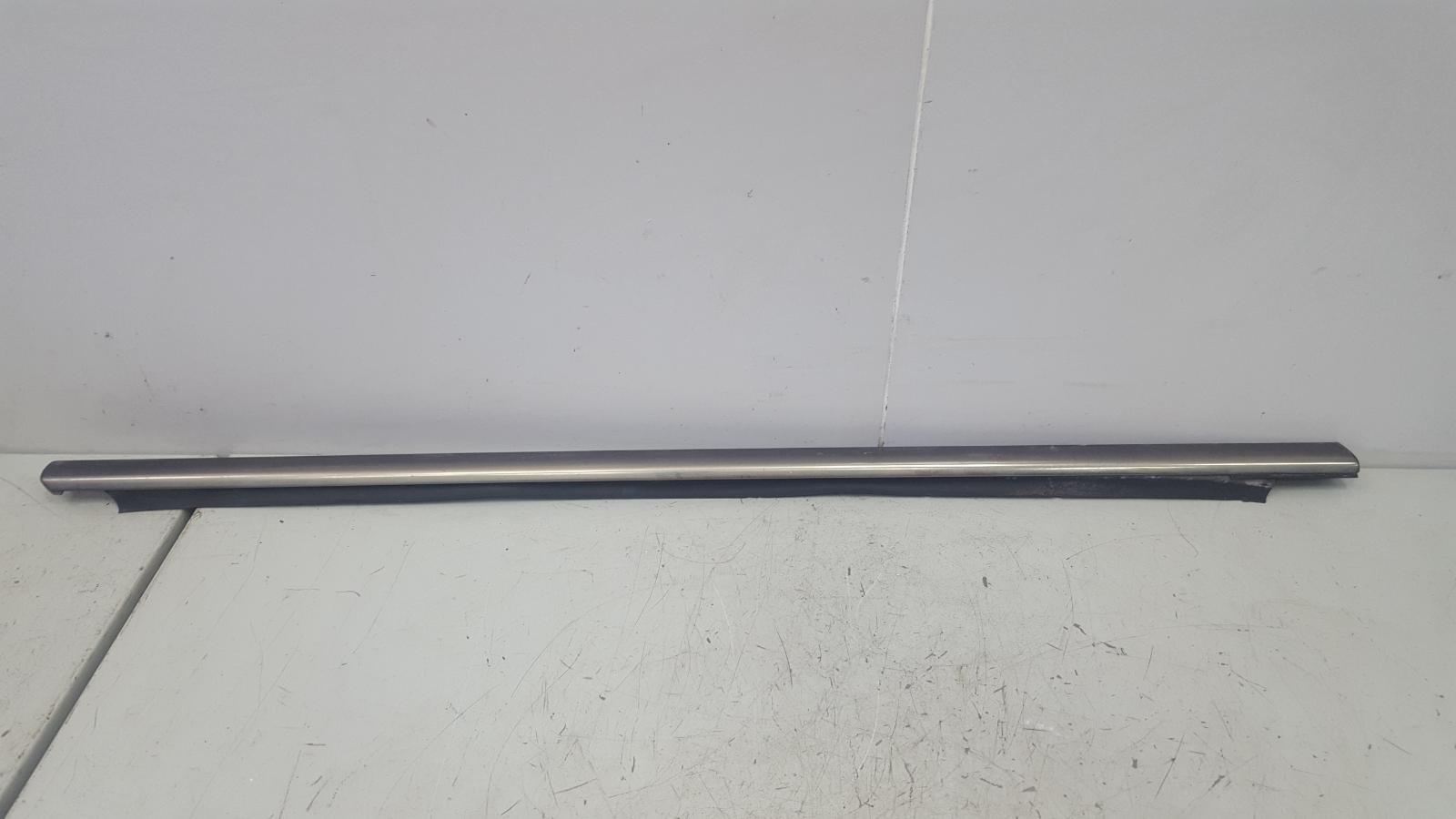 Бархотка молдинг наружний Mercedes C320 W203 M112.946 2000г передняя правая