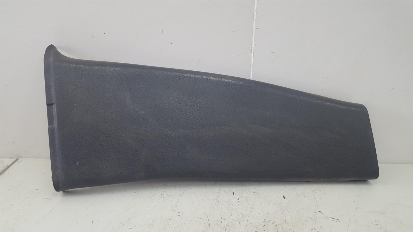 Накладка средней стойки Mercedes C320 W203 M112.946 2000г правая