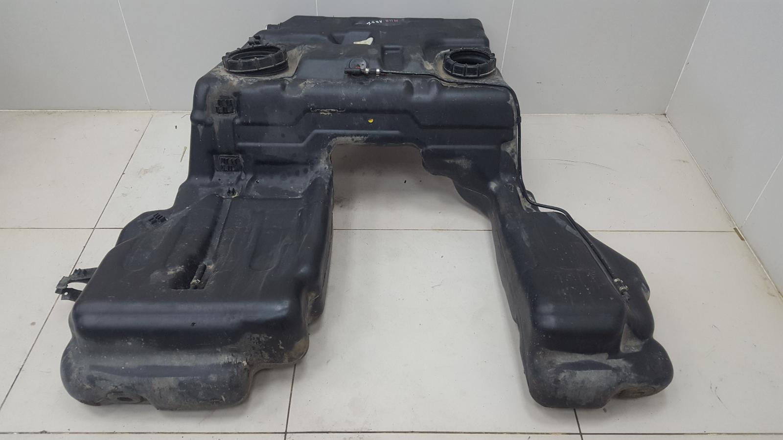 Топливный бак Audi A8 D2 AUW 2001
