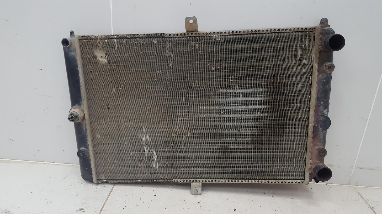 Радиатор охлаждения двс Ваз 2107 Инжектор
