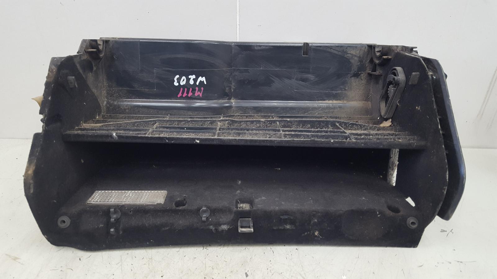 Бардачок Mercedes C200 Kompressor W203 M111.955 2000
