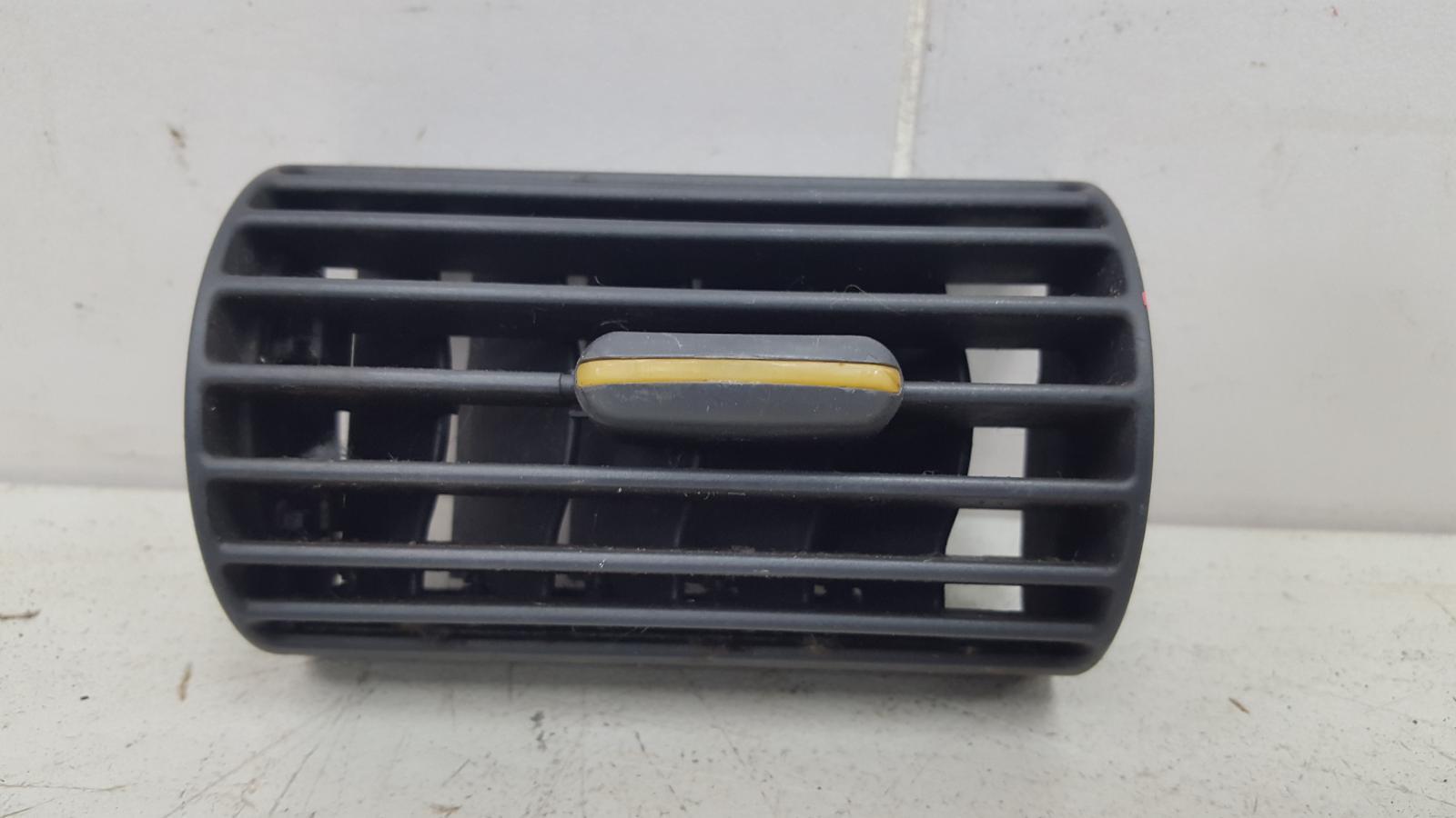 Дефлектор воздушный Mercedes C320 W203 M112.946 2000г