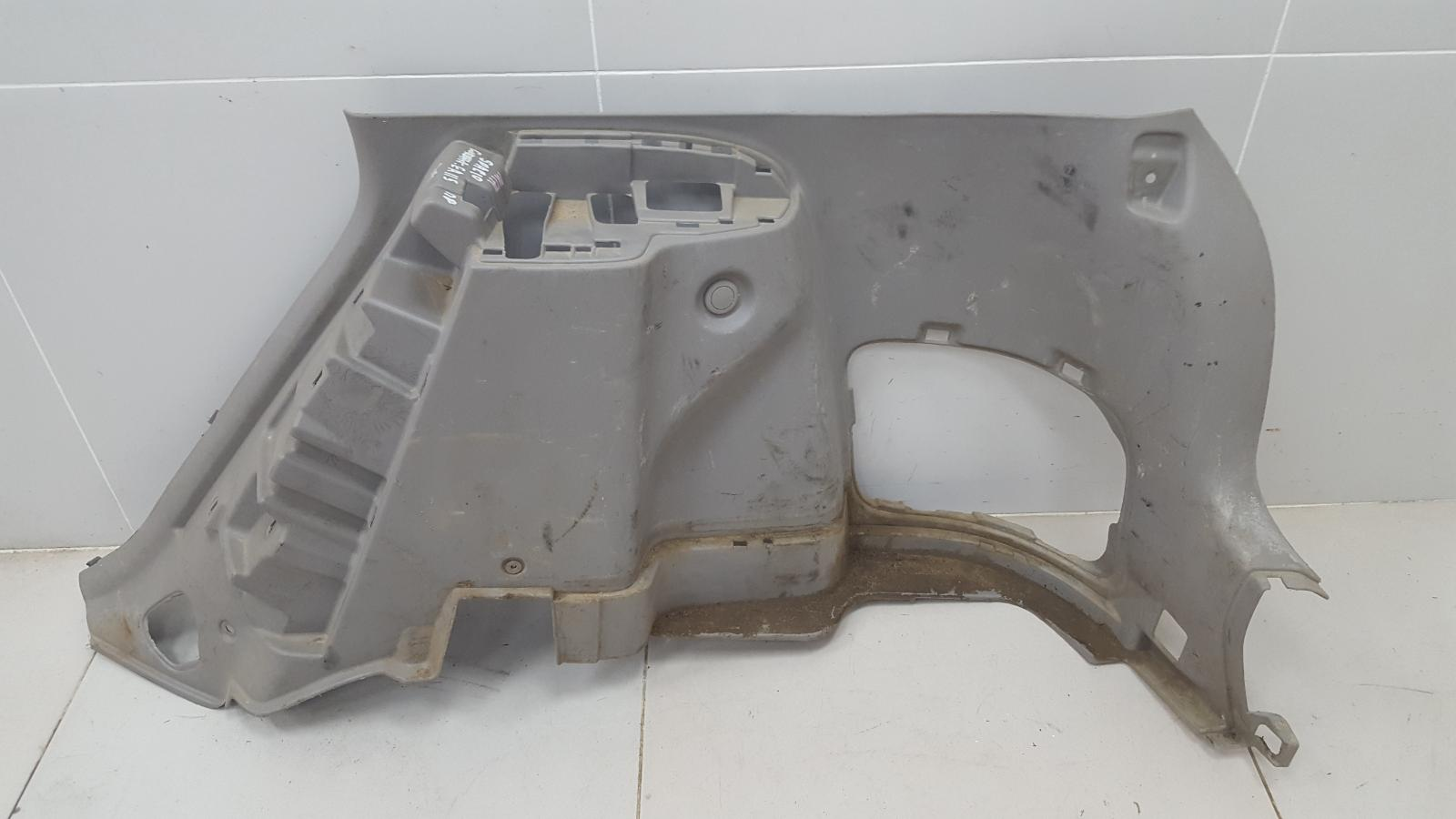 Обшивка багажника Toyota Corolla Spacio AE115 7A-FE 1.8Л 1999 задняя правая