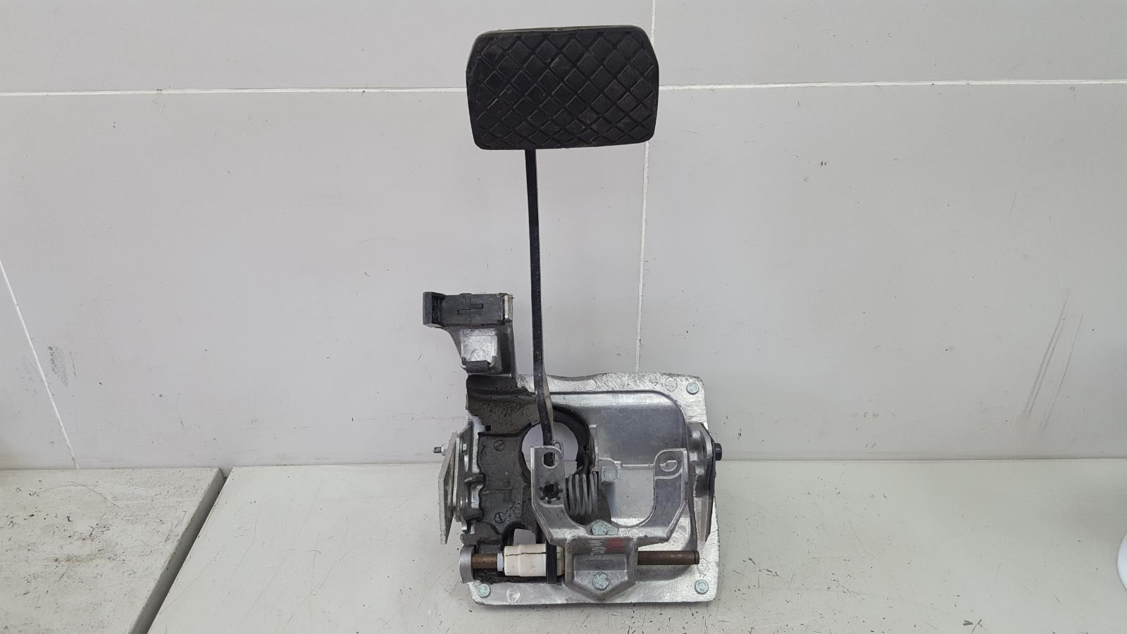 Блок педалей Audi A8 D2 AUW 2001