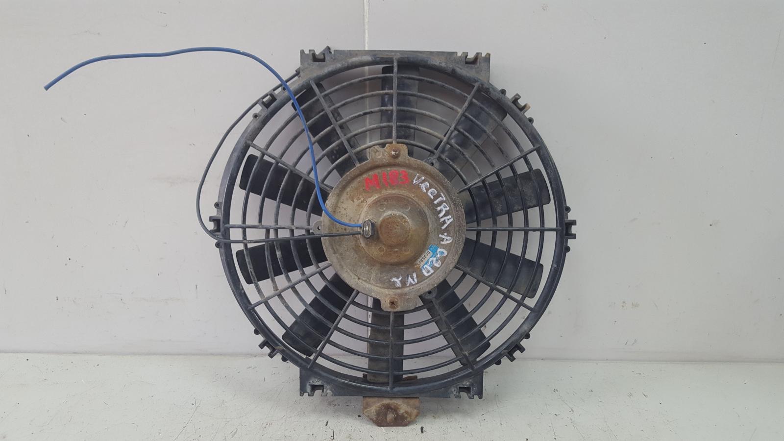 Вентилятор охлаждения радиатора Opel Vectra A C20NE 2.0Л 1993