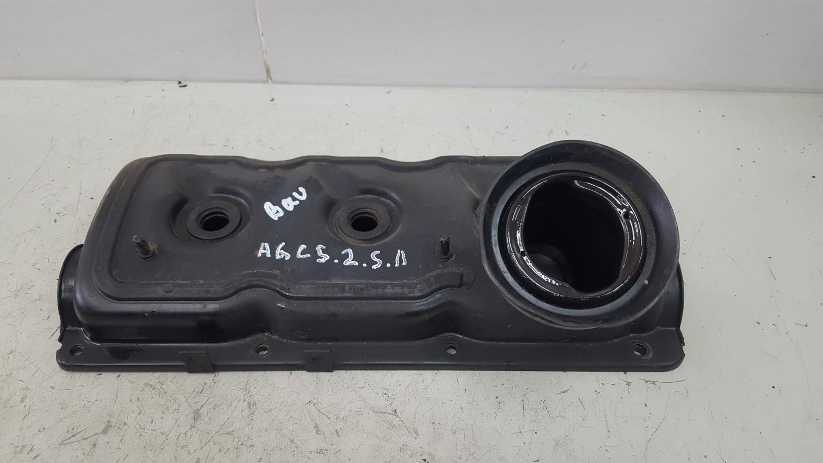 Крышка клапанная головки блока цилиндров гбц Audi A6 C5 BAU 2.5Л ДИЗЕЛЬ