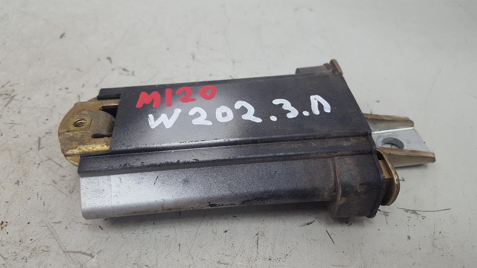 Ограничитель двери Mercedes C280 W202 M104.941 1998 задний левый
