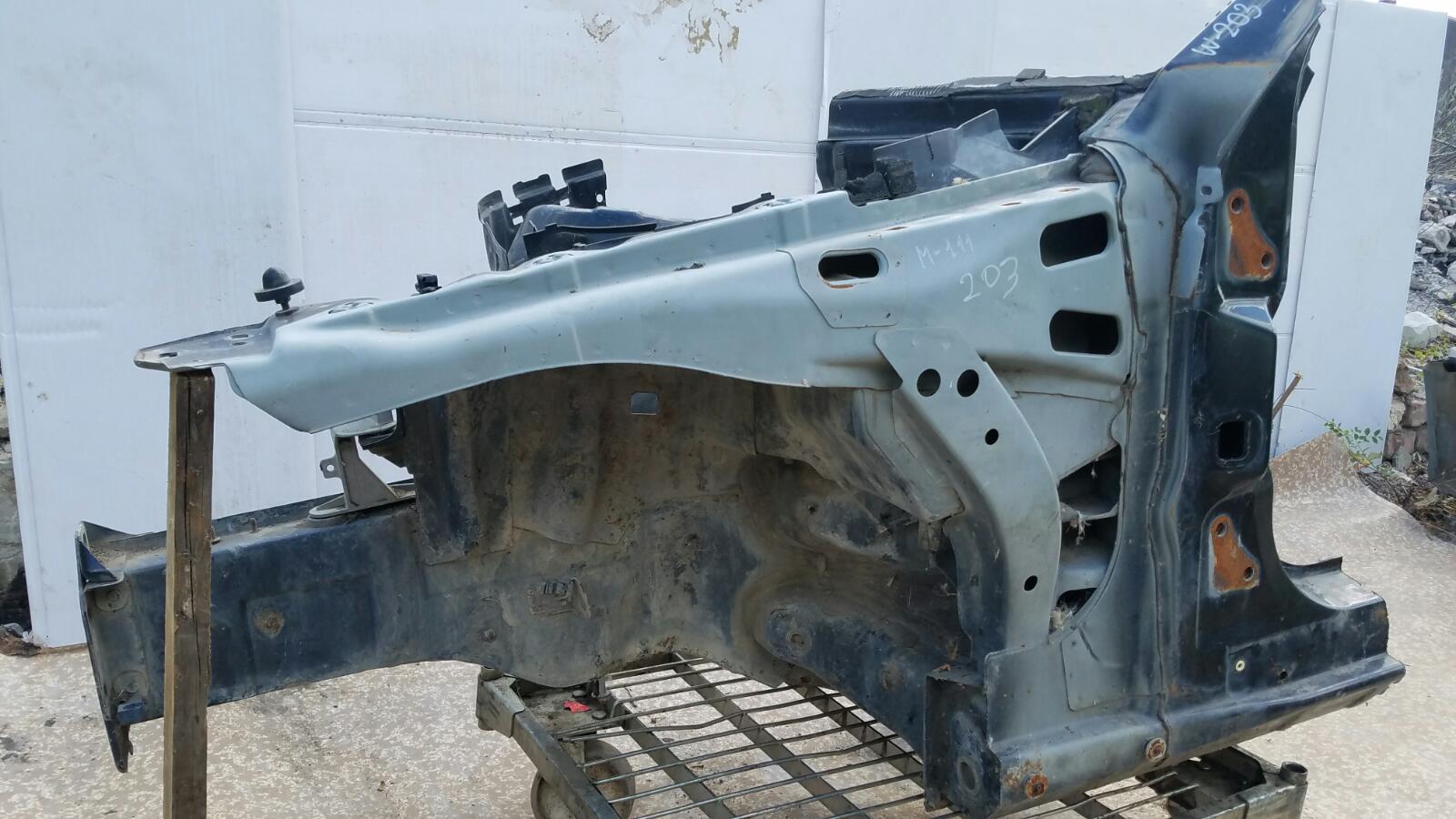 Четверть кузова Mercedes C200 Kompressor W203 M111.955 2000 передний левый