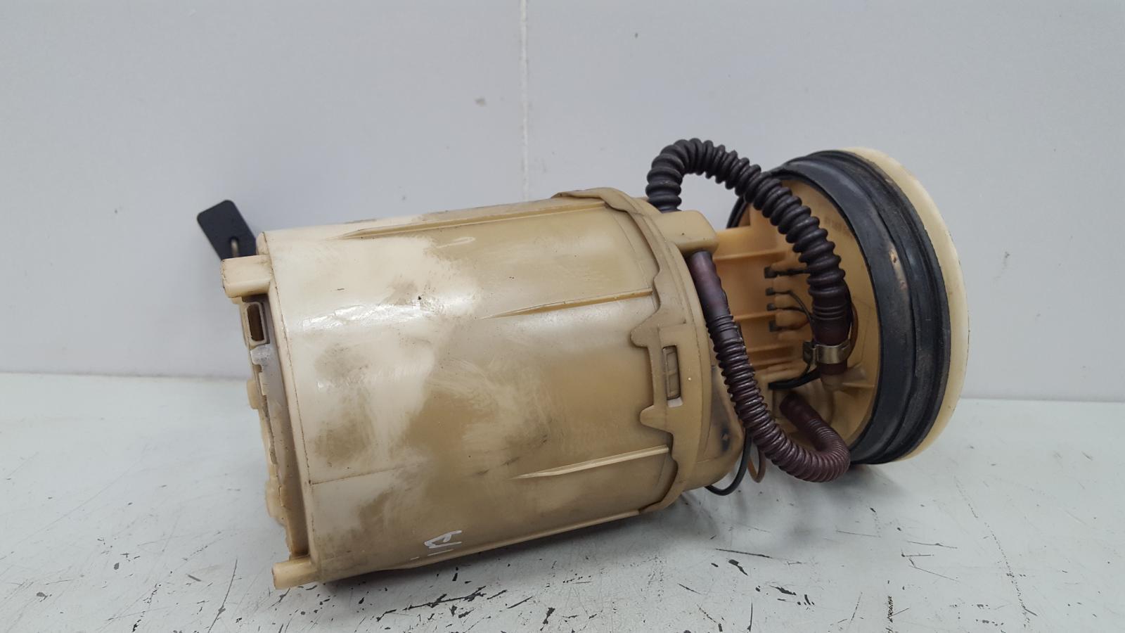 Топливный бензонасос Opel Vectra A C20NE 2.0Л 1993