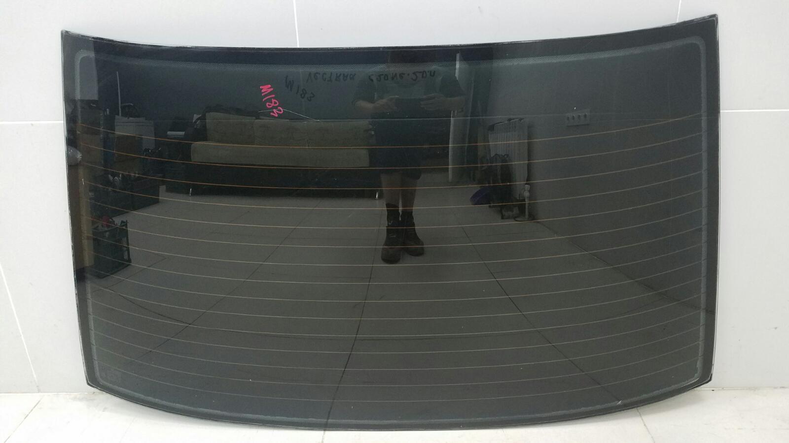 Стекло заднее Opel Vectra A C20NE 2.0Л 1993 заднее
