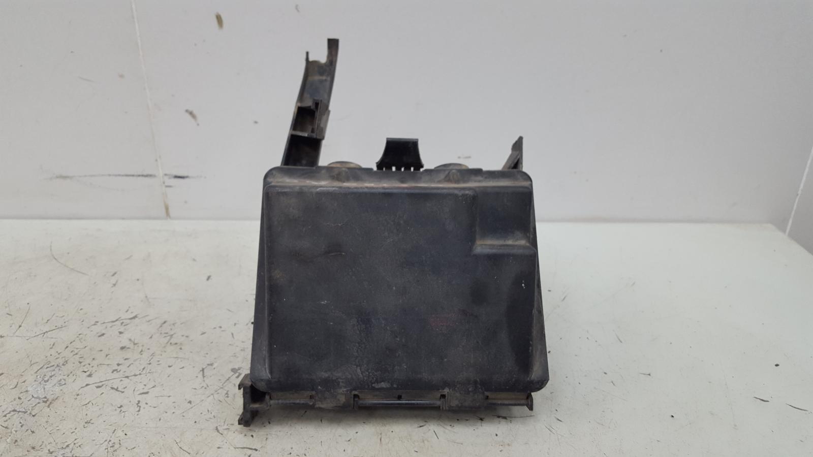 Корпус блока предохранителей Opel Vectra A C20NE 2.0Л 1993