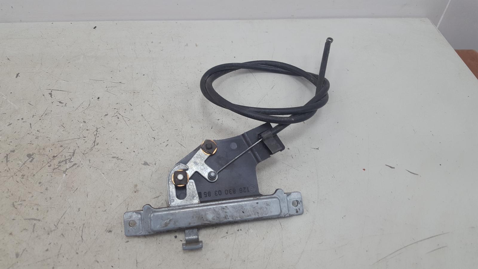 Тросик замка двери Mercedes S280 W126 M110.989 2 1983