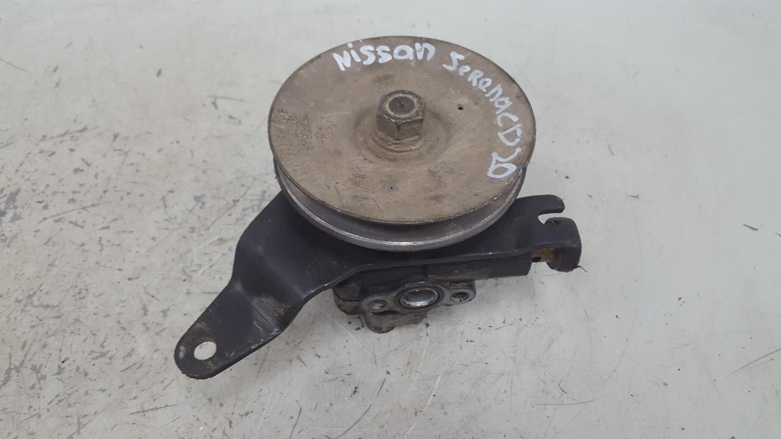 Насос гура гидроусилителя руля Nissan Serena KVC23 CD20 2.0Л 1993