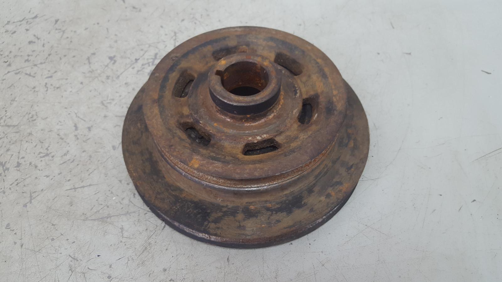 Шкив коленвала Nissan Serena KVC23 CD20 2.0Л 1993
