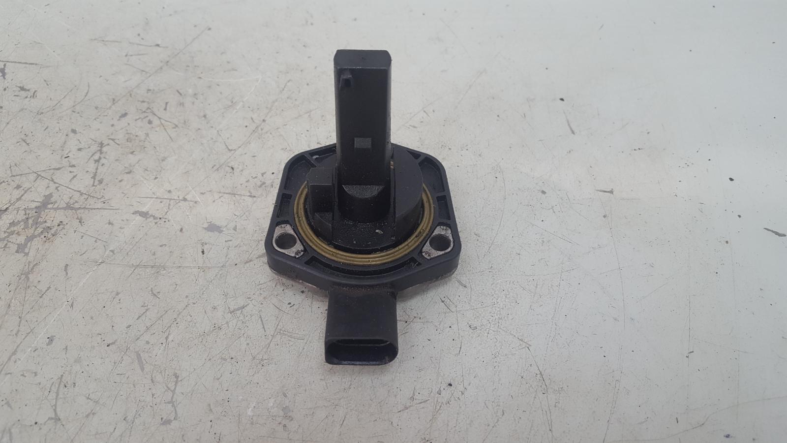Датчик уровня масла Audi A6 C5 BAU 2.5Л ДИЗЕЛЬ