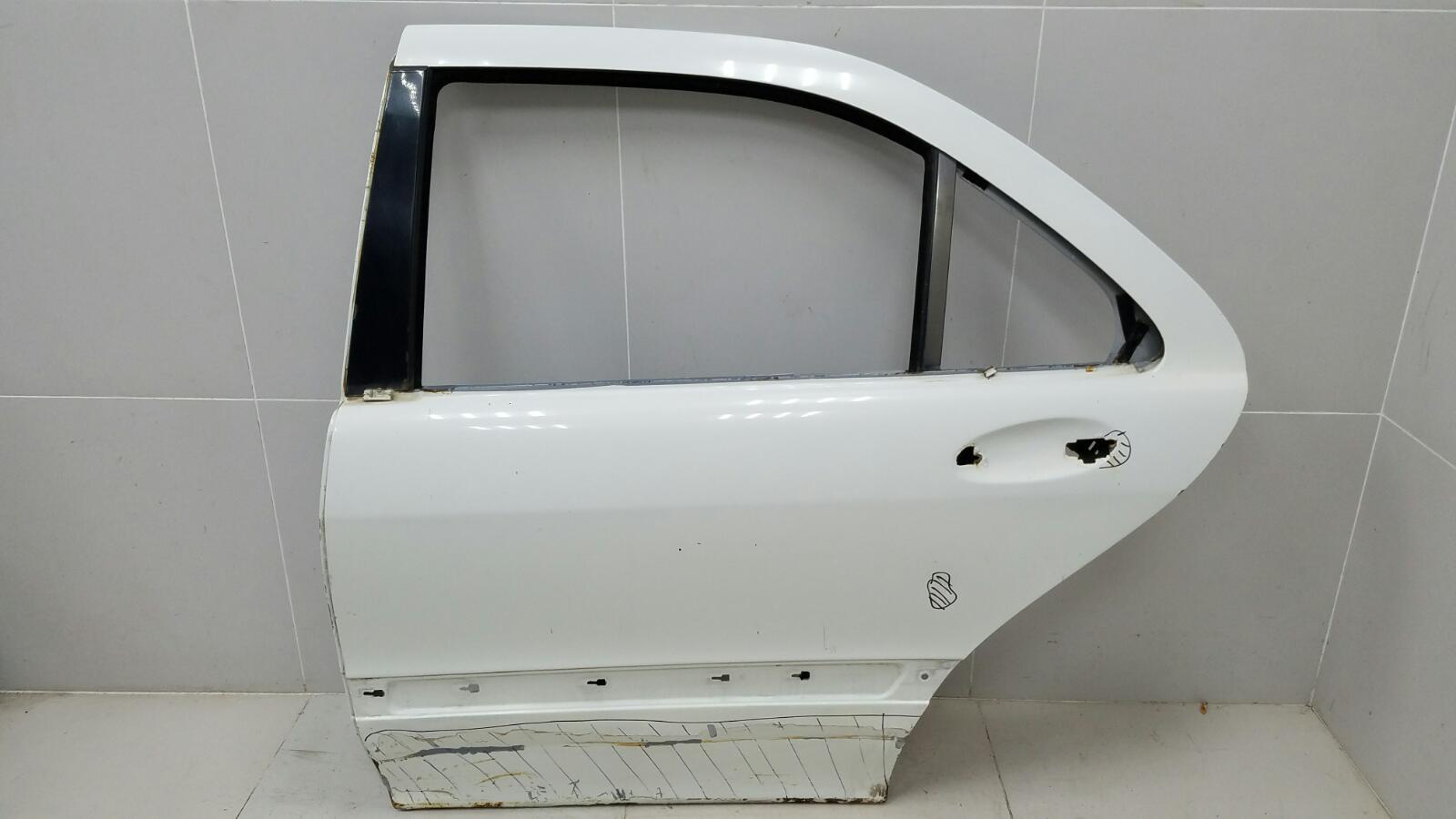Дверь Mercedes S320 W220 M112.944 2001 задняя левая
