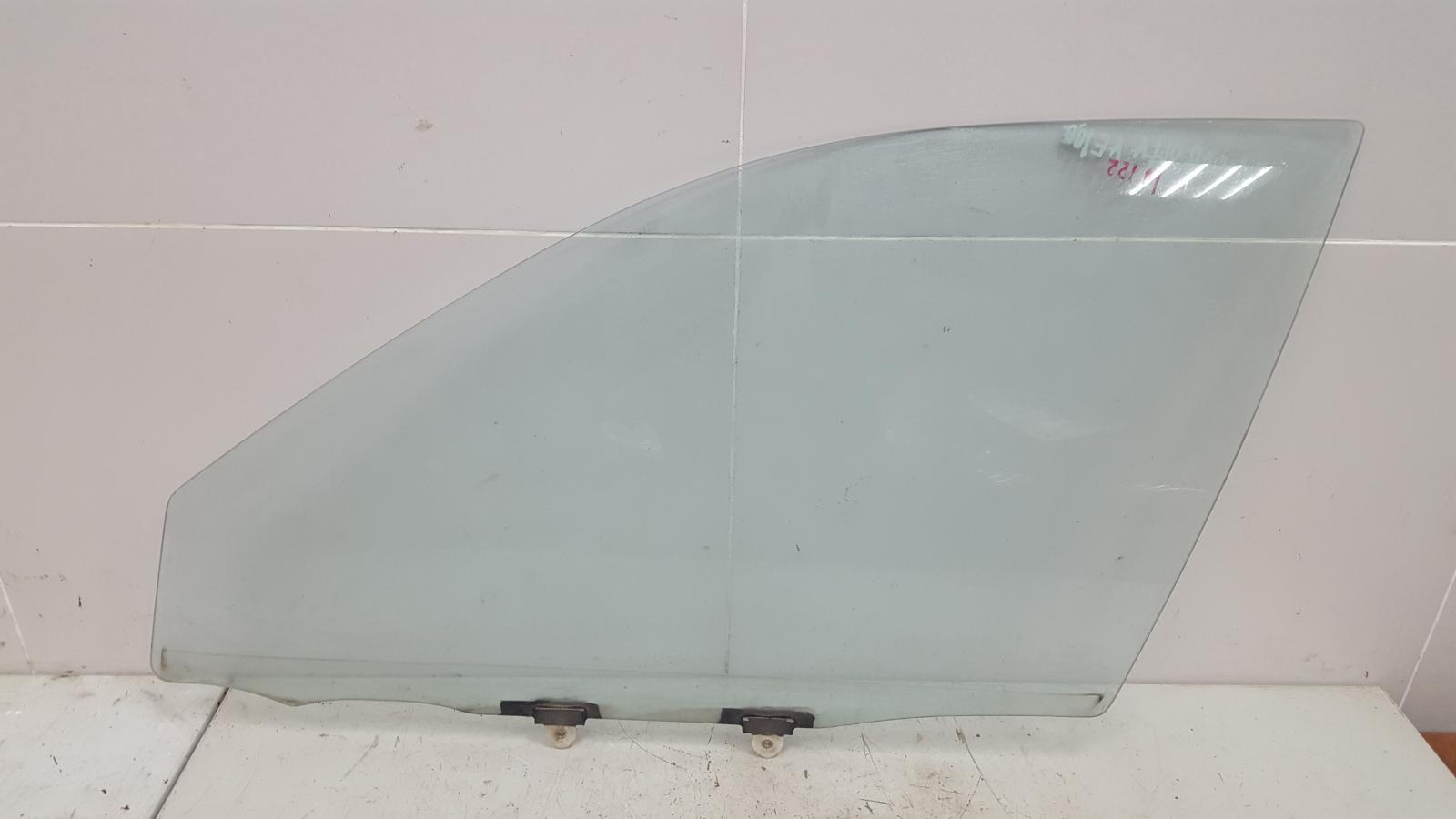 Стекло двери Toyota Corolla AE100G 5A-FE 1996 переднее левое