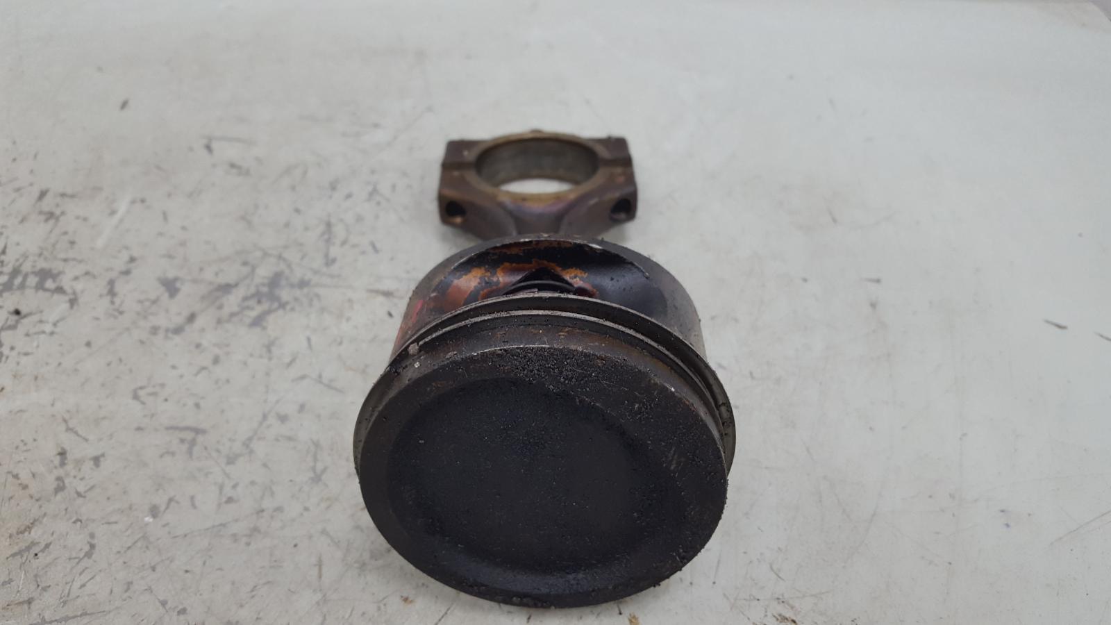 Шатун с поршнем Bmw 750 I Il E38 M73 1997