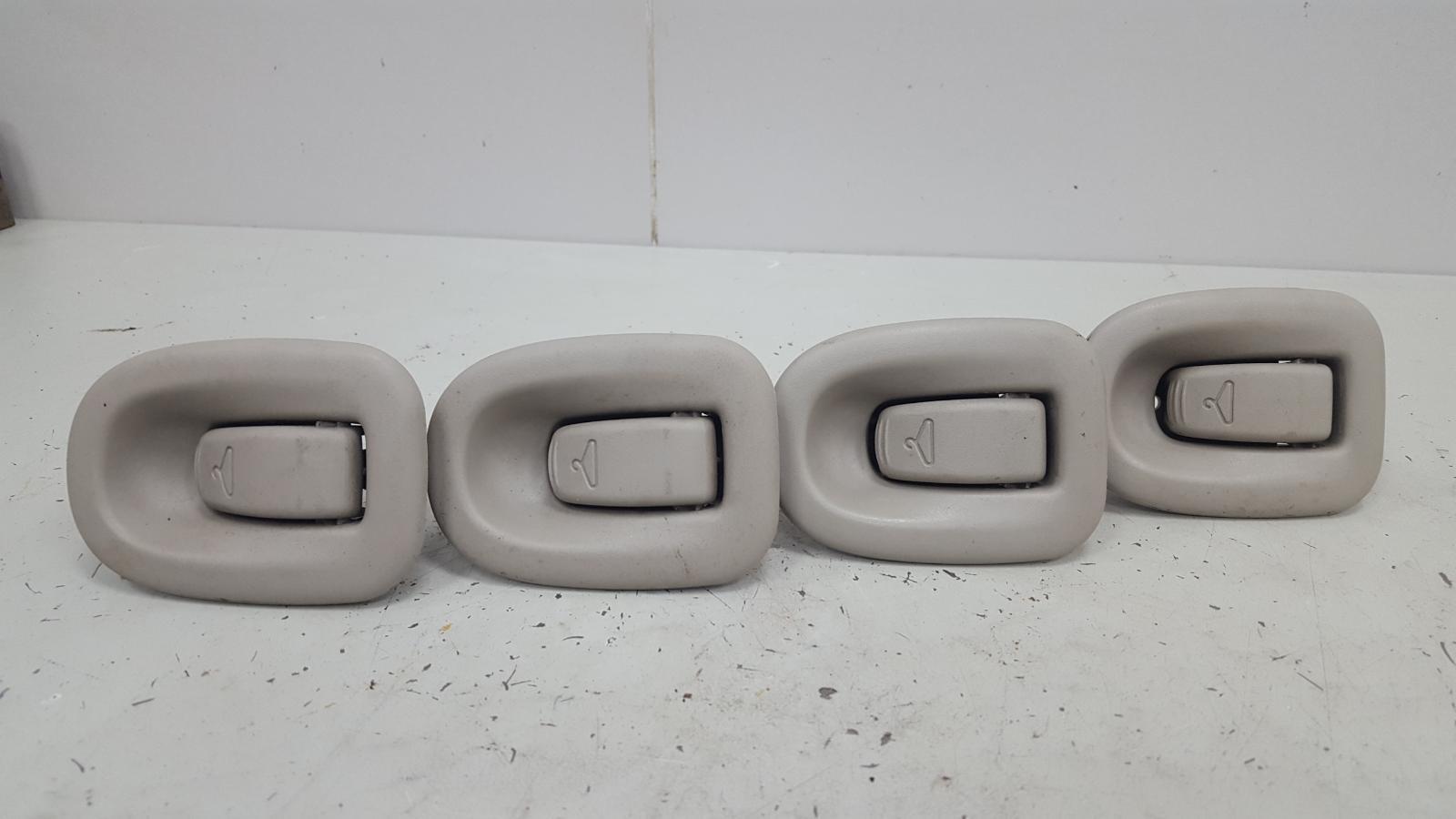 Комплект крючков для одежды Dodge Caravan 4 RG EGM 3.3Л 2001