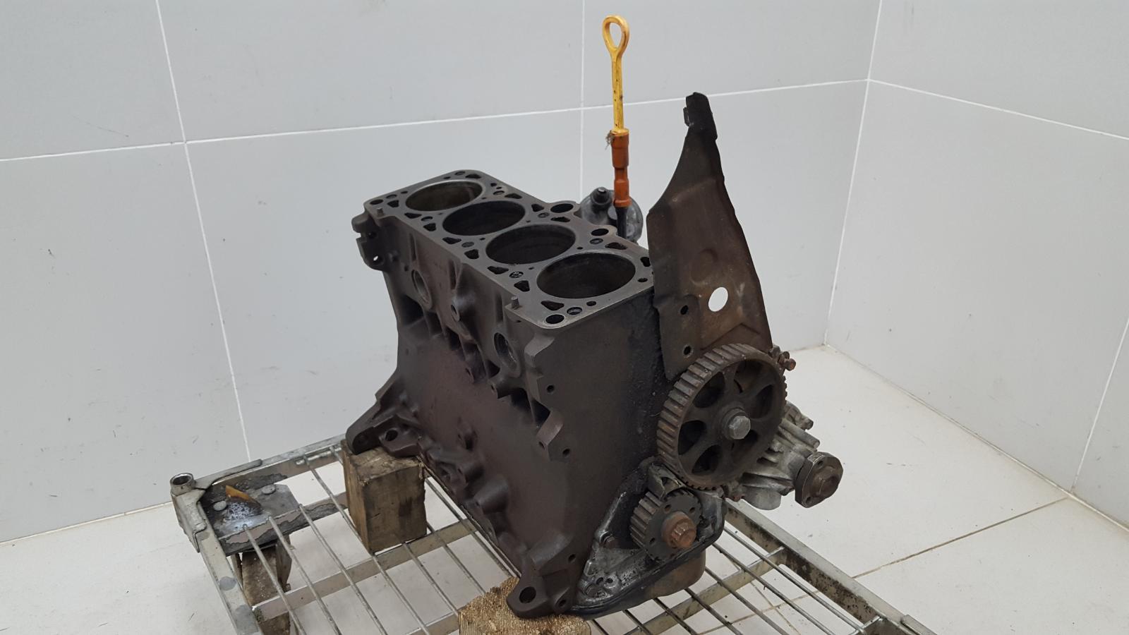 Блок двигателя двс Audi 80 B3 RN 1990