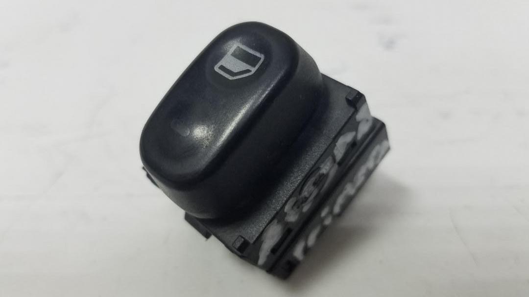 Кнопка стеклоподъемника Nissan Primera P10 GA16DS 1992г