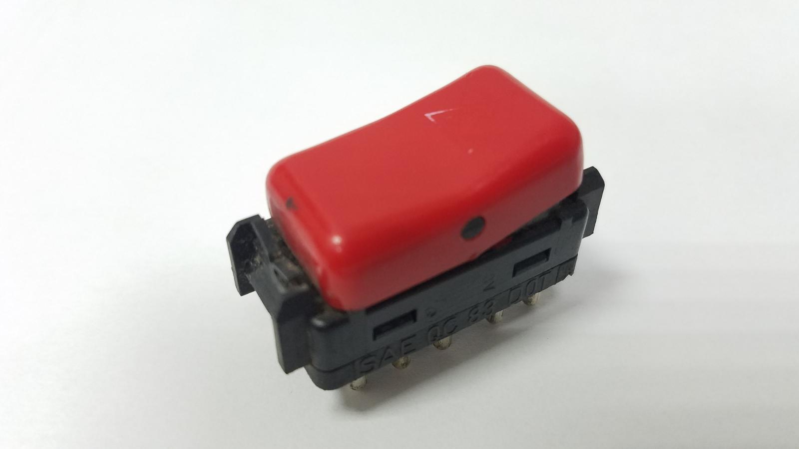 Кнопка аварийного сигнала Mercedes E230 W124 M102 1994